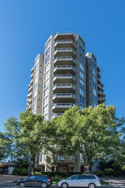 1135 Quayside Drive #801, New Westminster, BC V3M 6J4 (#R2258190) :: West One Real Estate Team