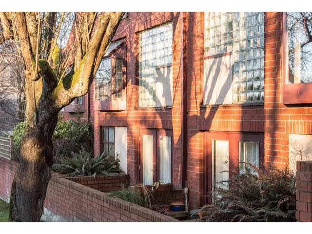 2485 Cornwall Avenue #4, Vancouver, BC V6K 1B9 (#R2259349) :: West One Real Estate Team