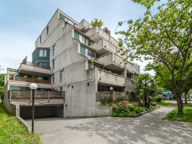 1819 Pendrell Street Ph4, Vancouver, BC V6G 1T3 (#R2297256) :: West One Real Estate Team