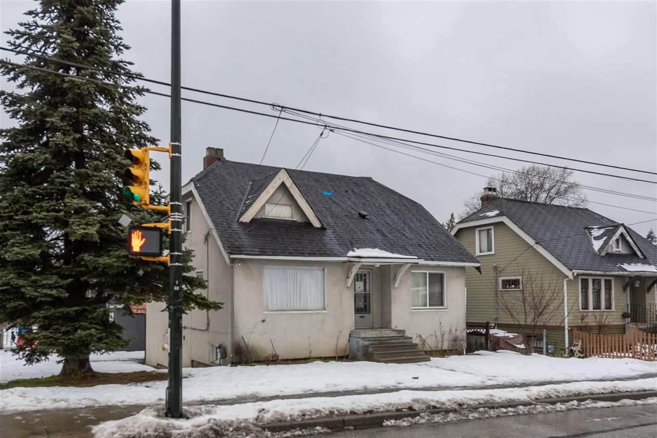 1005 King Edward Avenue - Photo 1