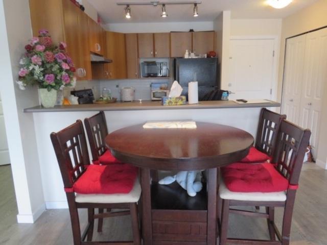 14885 105 Avenue #208, Surrey, BC V3R 2V6 (#R2389389) :: Royal LePage West Real Estate Services