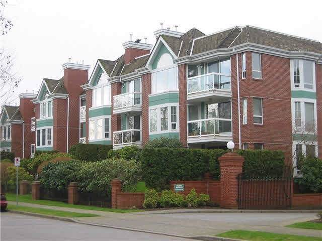 1695 Augusta Avenue #204, Burnaby, BC V5A 4S8 (#R2429837) :: RE/MAX City Realty