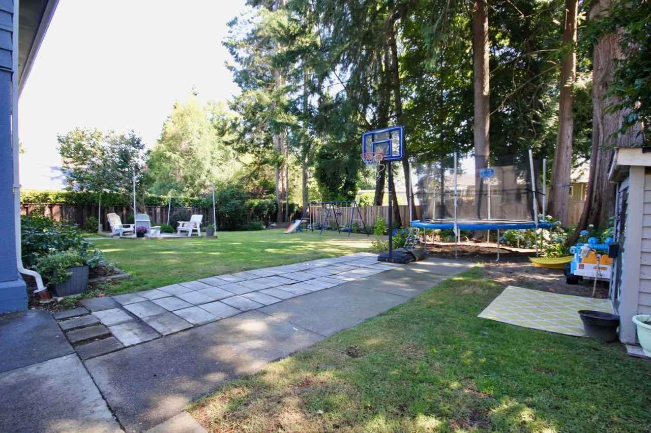 4948 10A Avenue - Photo 1