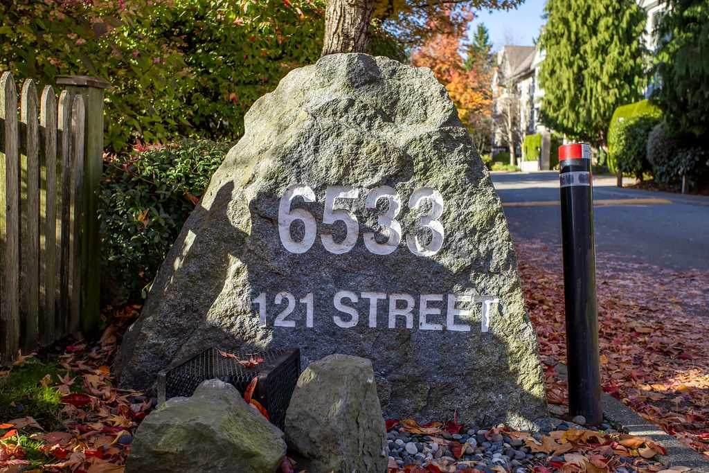 6533 121 Street - Photo 1