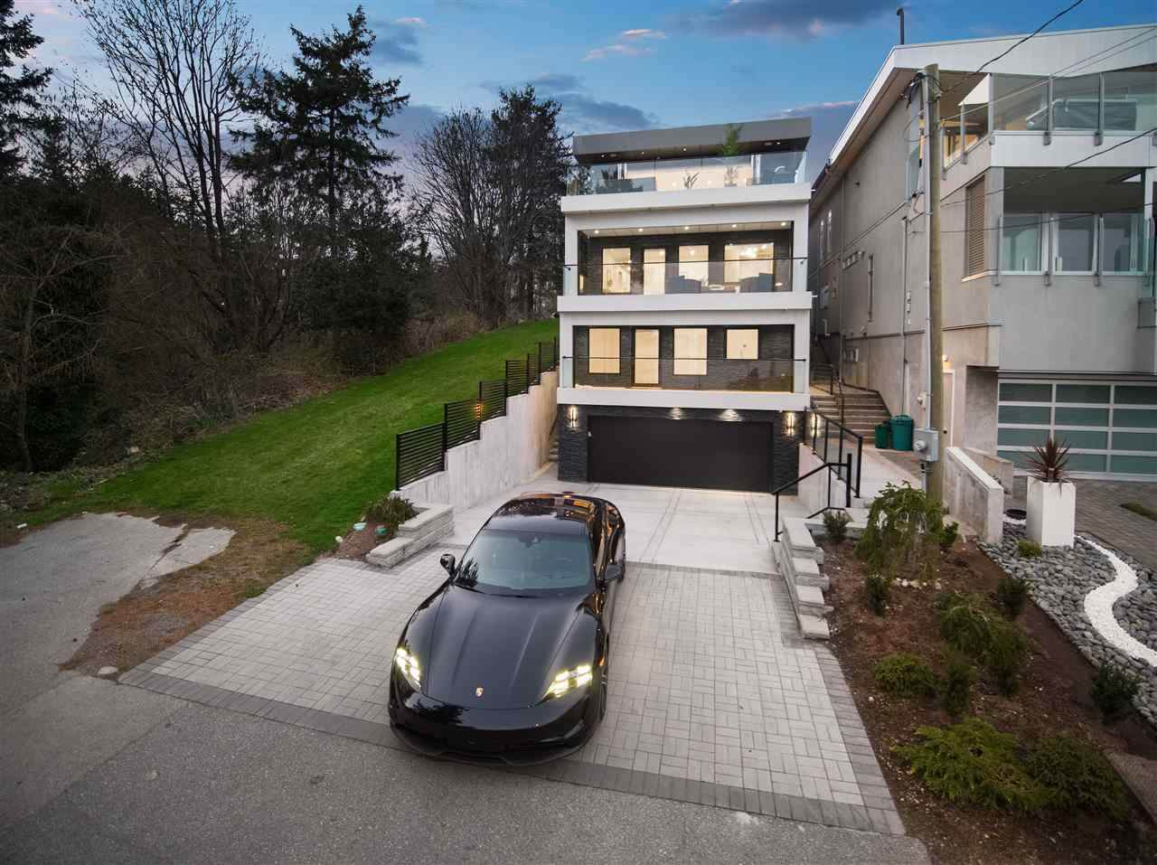 14705 Oxenham Avenue - Photo 1