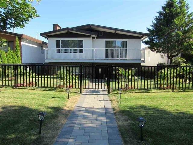 1522 E 54Th Avenue, Vancouver, BC V5P 1Y4 (#R2586962) :: Premiere Property Marketing Team