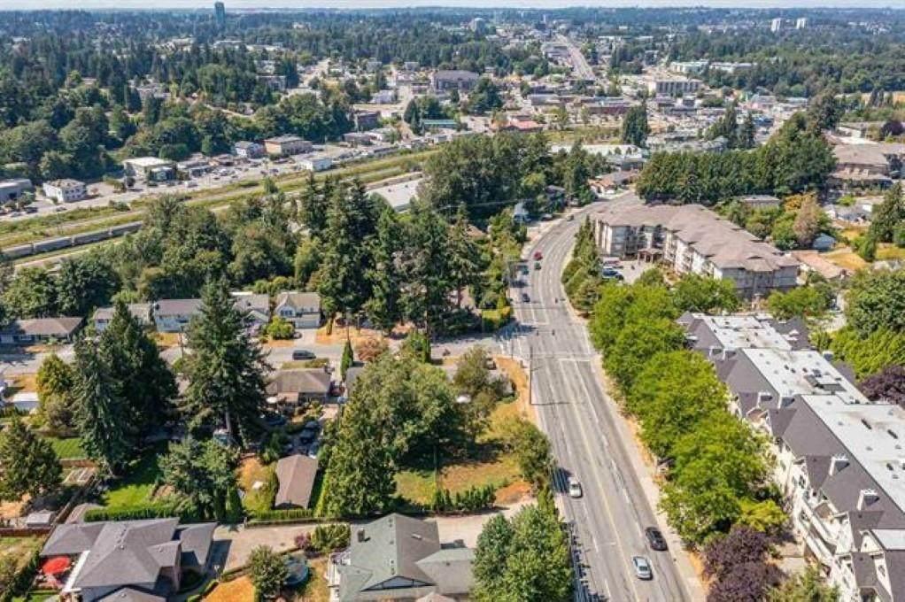 2468 Park Drive - Photo 1