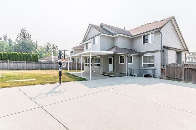 3628 Heritage Drive, Abbotsford, BC V2T 6X8 (#R2194358) :: Titan Real Estate - Re/Max Little Oak Realty