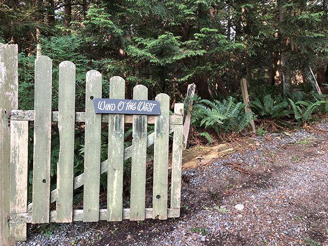 503 Collins Lane, Bowen Island, BC V0N 1G1 (#R2396273) :: Vancouver Real Estate