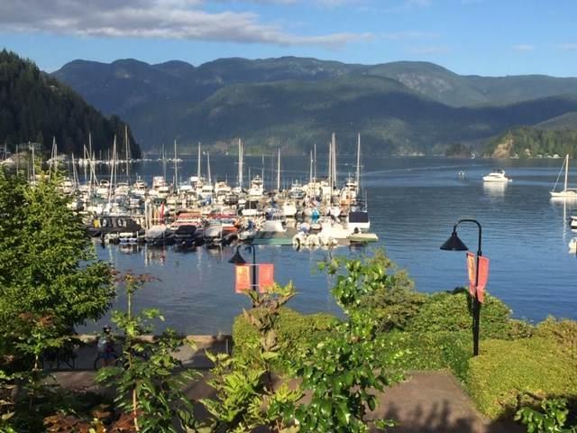 2044 Deep Cove Crescent, North Vancouver, BC V7G 1T2 (#R2495041) :: Ben D'Ovidio Personal Real Estate Corporation | Sutton Centre Realty