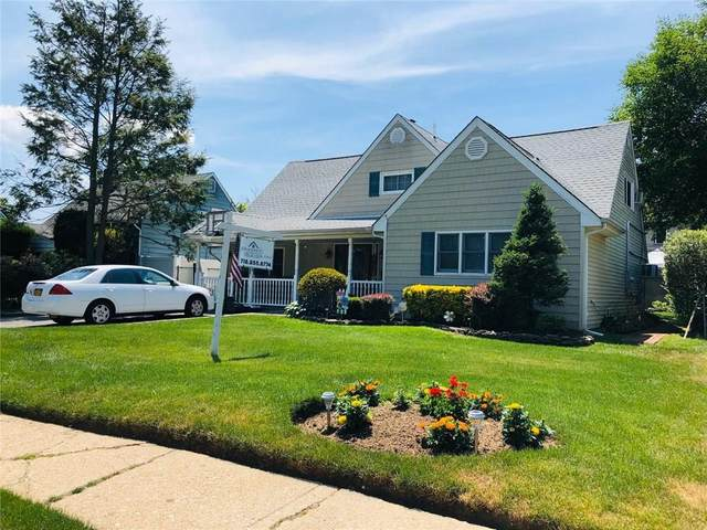 18 W Cabot Lane, Westbury, NY 11590 (MLS #437148) :: RE/MAX Edge