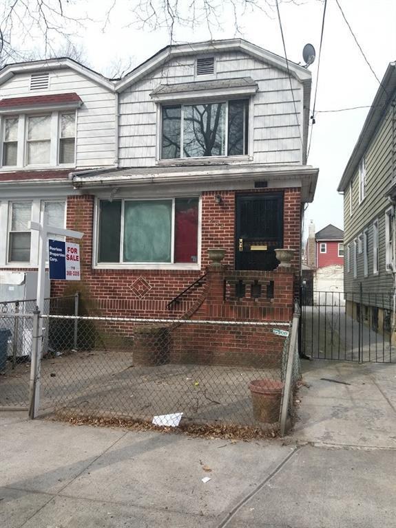 284 E 43rd, BROOKLYN, NY 11203 (MLS #419644) :: The Napolitano Team at RE/MAX Edge