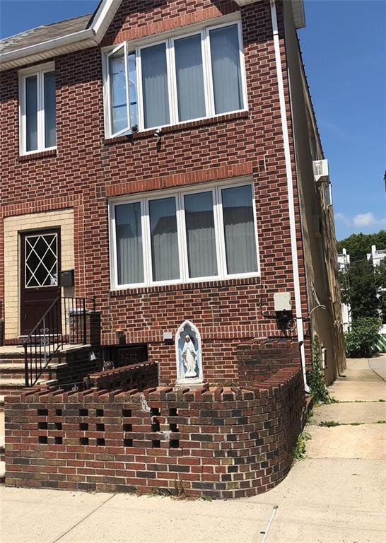 40 Bay 7 Street, BROOKLYN, NY 11228 (MLS #422804) :: RE/MAX Edge