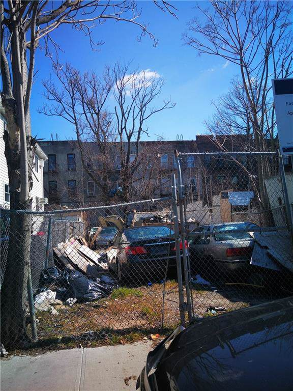 599 Ashford Street - Photo 1