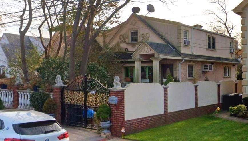 2320 Bergen Avenue - Photo 1