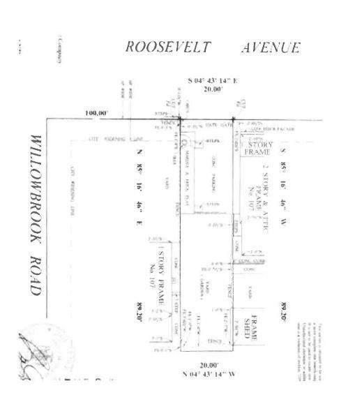 105 Roosevelt Avenue - Photo 1