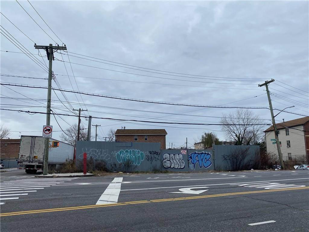 757/680/684 Cozine Avenue - Photo 1