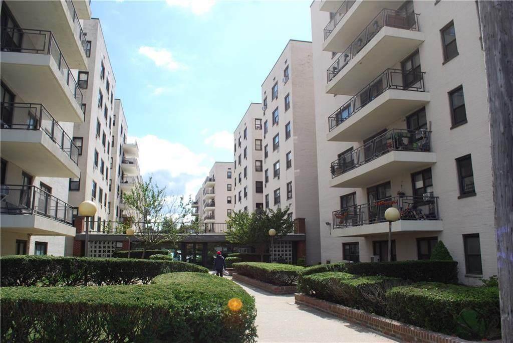 3090 Voorhies Avenue - Photo 1