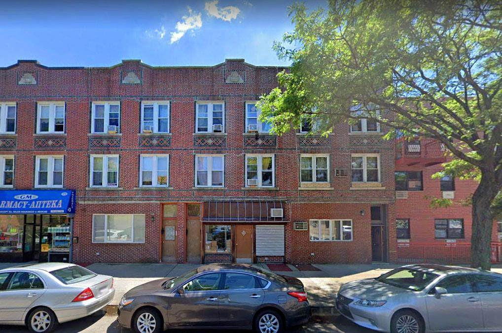 168 Avenue O - Photo 1