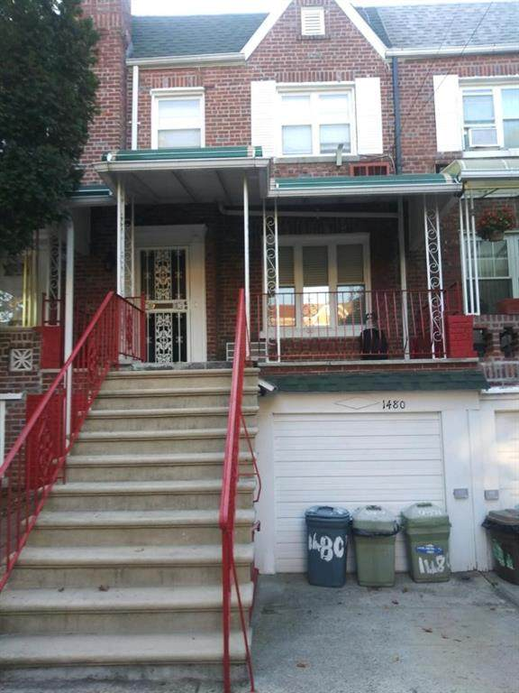 1480 48 Street - Photo 1