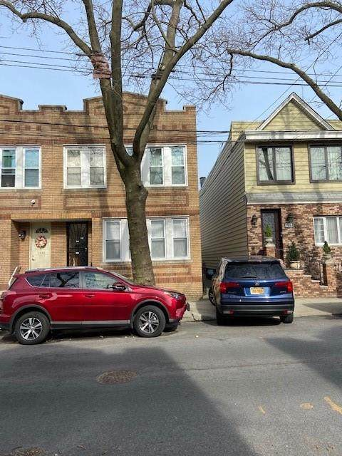 7839 79 Lane, Glendale, NY 11385 (MLS #450028) :: Carollo Real Estate