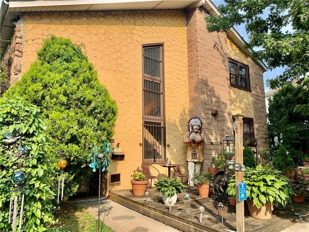 301 Hamden Avenue - Photo 1