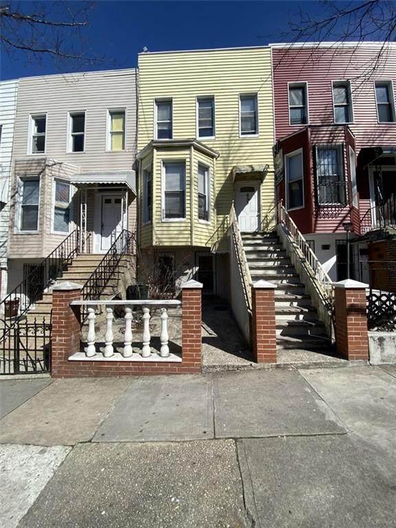453 44 Street - Photo 1