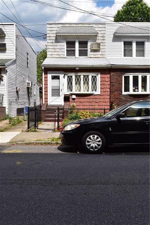 1541 52 Street - Photo 1