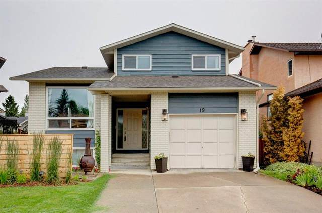 19 Cedarbrook Place SW, Calgary, AB T2W 4T4 (#A1011019) :: Redline Real Estate Group Inc
