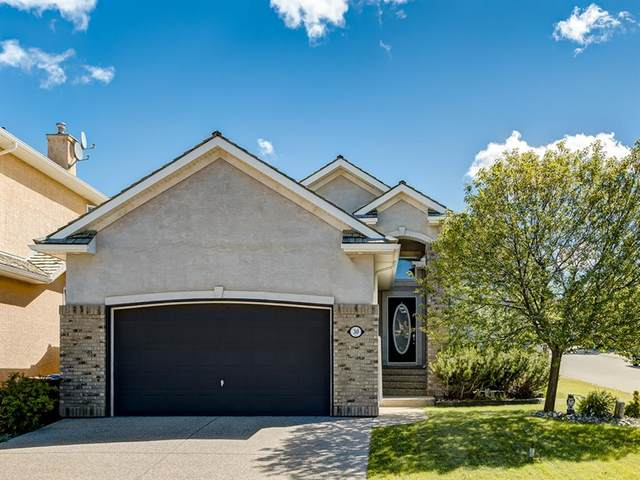 30 Royal Crest Way NW, Calgary, AB T3G 4M7 (#A1013088) :: Redline Real Estate Group Inc