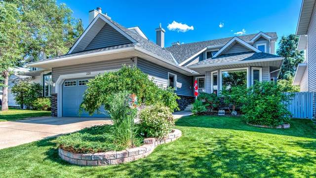 220 Scenic Glen Place NW, Calgary, AB T3L 1K3 (#A1013825) :: Redline Real Estate Group Inc