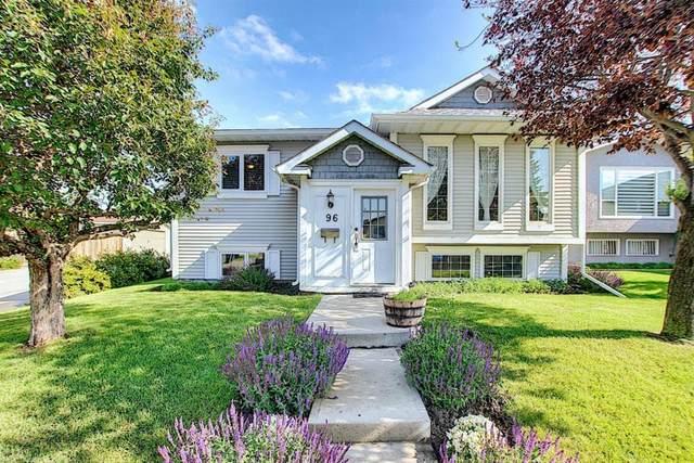 96 Castledale Crescent NE, Calgary, AB T3J 1X4 (#A1016319) :: Redline Real Estate Group Inc