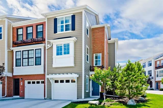 547 Sherwood Boulevard NW, Calgary, AB T3R 0X1 (#A1018882) :: Redline Real Estate Group Inc