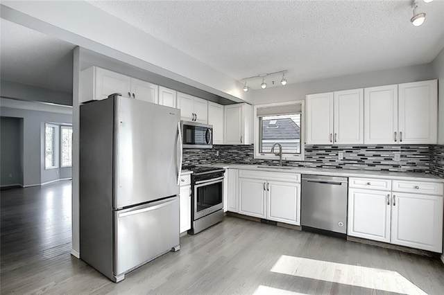 31 Patina Point SW, Calgary, AB T3H 3J7 (#A1020709) :: Redline Real Estate Group Inc