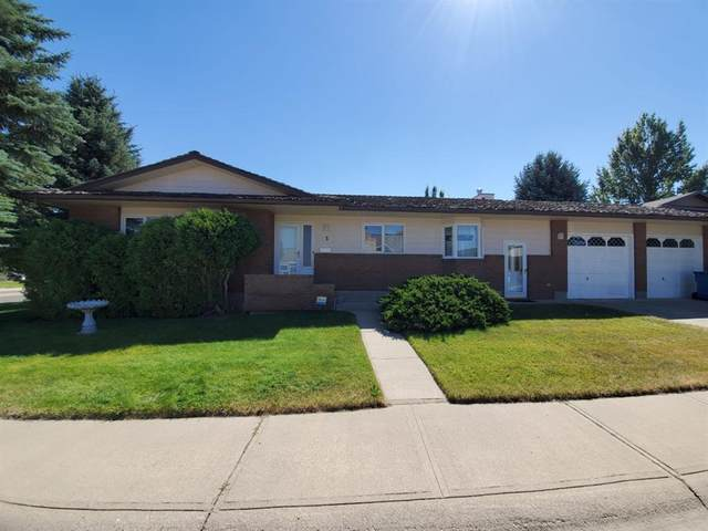 3 Kings Crescent S, Lethbridge, AB T1K 5G4 (#A1025275) :: Canmore & Banff