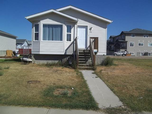 1712 2 Avenue, Brooks, AB T1R 1K3 (#A1026585) :: Western Elite Real Estate Group