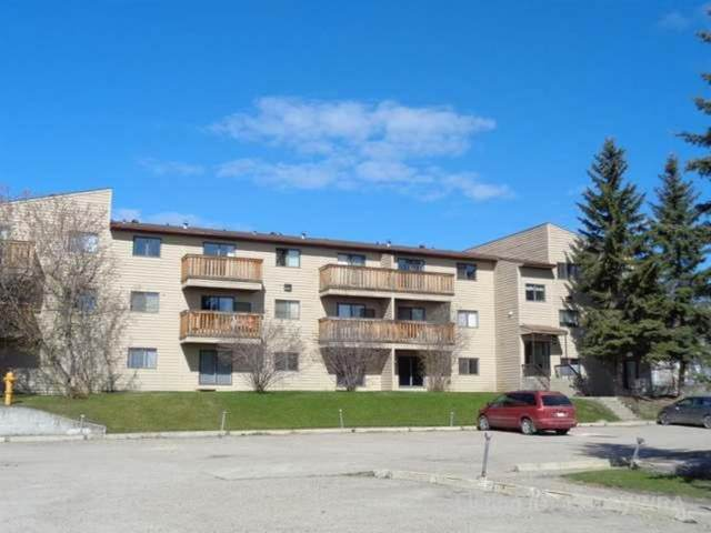 1221B Westhaven Drive #302, Edson, AB T7E 1P9 (#A1030747) :: Canmore & Banff