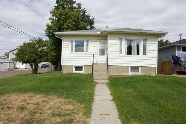 378 10 Street SW, Medicine Hat, AB T1A 4R5 (#A1031900) :: Canmore & Banff