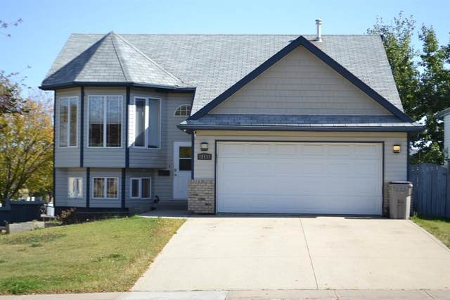 12117 Crystal Lake Drive, Grande Prairie, AB T8X 1M8 (#A1032378) :: Canmore & Banff