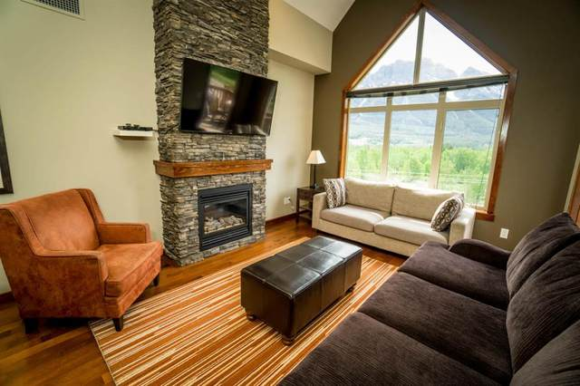 30 Lincoln Park #404, Canmore, AB T1W 3E9 (#A1033121) :: Calgary Homefinders