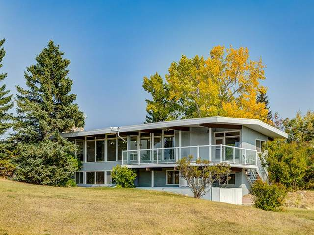 21 Elveden Point SW, Calgary, AB T3H 3X8 (#A1035070) :: Calgary Homefinders