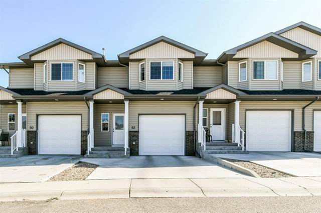 52 Saamis Meadows Lane SW, Medicine Hat, AB T1B 0A5 (#A1035180) :: Western Elite Real Estate Group