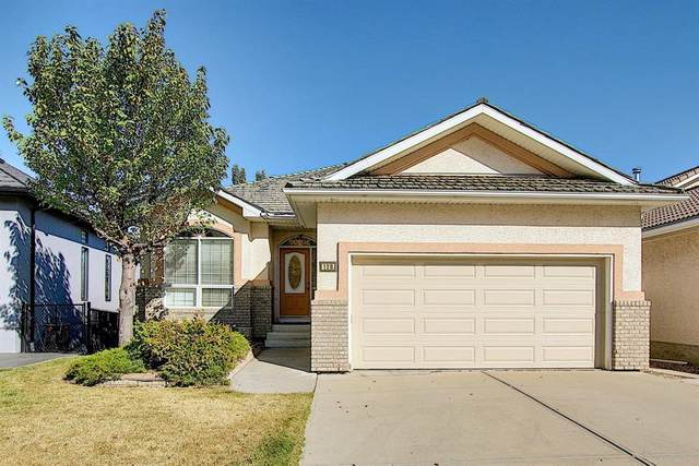 139 Hamptons Drive NW, Calgary, AB  (#A1039424) :: Canmore & Banff