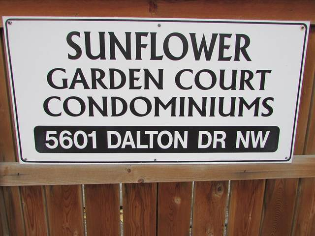 5601 Dalton Drive NW 402B, Calgary, AB T3A 2E2 (#A1039507) :: Redline Real Estate Group Inc