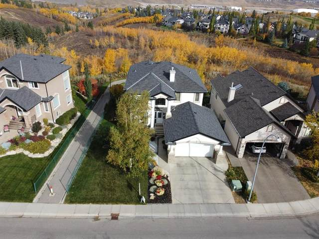 60 Valley Creek Crescent NW, Calgary, AB T3B 5V2 (#A1039748) :: Canmore & Banff