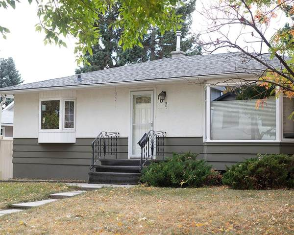 107 Hendon Drive NW, Calgary, AB T2K 1Y9 (#A1039902) :: Canmore & Banff