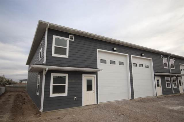 3740 30 Street N #35, Lethbridge, AB T1H 6Z4 (#A1040587) :: Redline Real Estate Group Inc