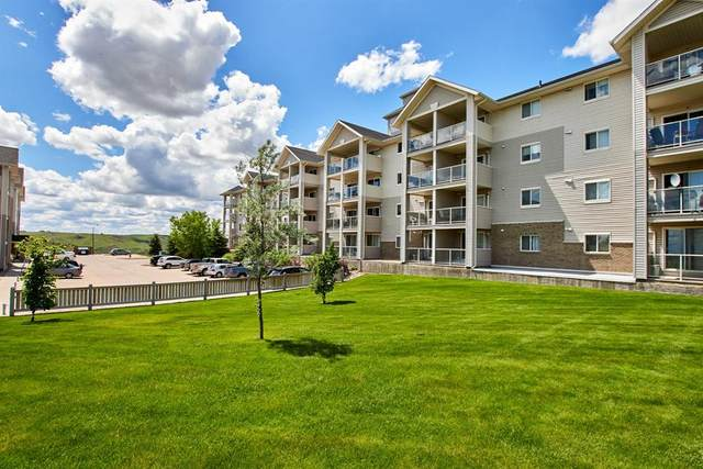 1648 Saamis Drive NW #104, Medicine Hat, AB T1C 4X1 (#A1040731) :: Calgary Homefinders
