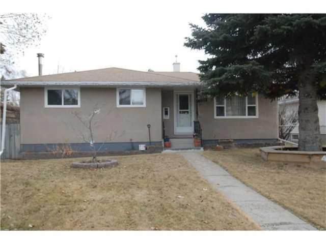 4012 45 Street SW, Calgary, AB T3E 3V8 (#A1041752) :: Canmore & Banff
