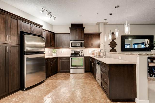 10 Discovery Ridge Close SW #318, Calgary, AB T3H 5X3 (#A1042109) :: Canmore & Banff